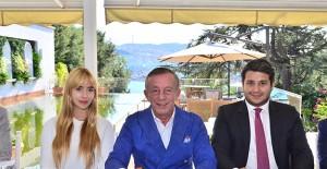 Ağaoğlu Ampute Milli Futbol Takımı Oyuncularına daire hediye etti!