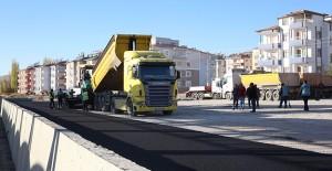 Kayseri Büyükşehir Belediyesi asfalt çalışmalarına devam ediyor!