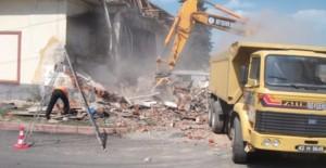 Konya Beyşehir'de metruk binalar yıkılıyor!