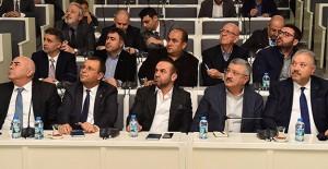 İzmir kentsel dönüşüm projeleri inşaat sektörüne tanıtıldı!