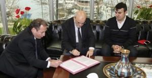 Kanal Riva'da imzalar atıldı!
