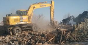 Konya'da Ereğli Belediyesi metruk binaları yıkmaya devam ediyor!