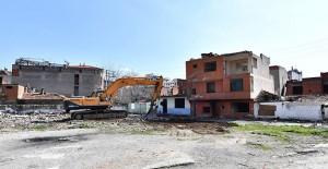 İzmir Örnekköy kentsel dönüşüm projesinde yıkım çalışmaları başladı!