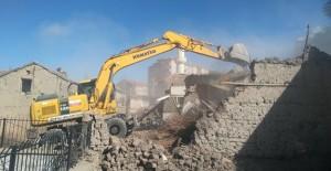 Konya'da Ereğli Belediyesi metruk bina yıkımlarına devam ediyor!