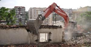 Mamak Belediyesi Ocak ayı'ndan itibaren 100 metruk binanın yıkımını gerçekleştirdi!