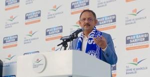 Bakan Özhaseki Sarıyer'de imar barışını anlattı!