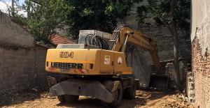Osmangazi Belediyesi metruk bina yıkım...