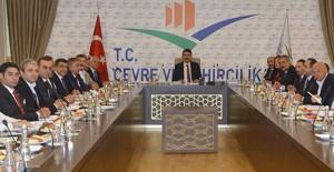 Bakan Murat Kurum inşaat sektörü temsilcileri ile bir araya geldi!