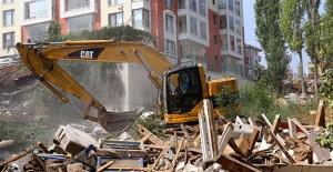 Ankara Çankaya'da 2018 yılı başı itibariyle 384 gecekondu yıkıldı!