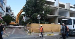 Avcılar kentsel dönüşüm projesi kapsamında 4 katlı bina yıkıldı!