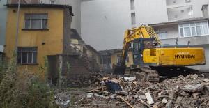 Bursa Büyükşehir Belediyesi tarafından riskli yapılar ortadan kaldırılıyor!