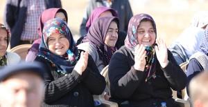 TOKİ Afyonkarahisar Ahmetpaşa'da 100 tarımköy konutunun kurası çekildi!