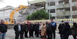 Büyükçekmece'de kentsel dönüşüm kapsamında yıkımlar sürüyor!