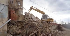 Bursa Osmangazi'de metruk binalar tek tek yıkılıyor!
