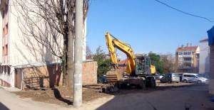 Osmangazi Belediyesi metruk binaların yıkımına devam ediyor!