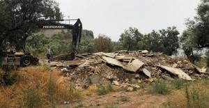 Gemlik Belediyesi kaçak yapıların yıkımına devam ediyor!