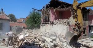 Osmangazi Belediyesi 9 ayda 85 metruk binayı yıktı!