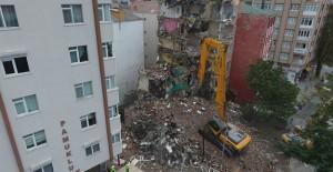 Silivri Belediyesi kentsel dönüşüm kapsamında yıkım çalışmalarını hızlandırdı!