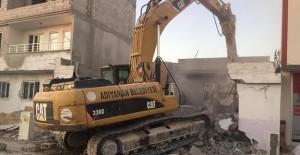 Adıyaman'da kamulaştırılan yapıların yıkımı devam ediyor!