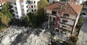 Büyükçekmece'de riskli 5 bina yıkıldı!