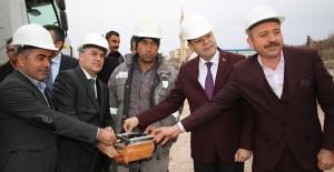 Hacılar kentsel dönüşüm projesinde yeni konutların temeli atıldı