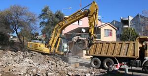 Balbey Kentsel Yenileme Projesi 1. Etap'ta metruk binalar yıkılıyor!