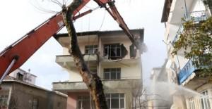 Kartal'da metruk yapıların yıkımı devam ediyor!