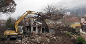 Osmangazi Belediyesi 2019'da 100 metruk binayı yıktı!