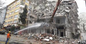 Avcılar Belediyesi 1 yılda kentsel yenileme kapsamında 140 binayı yıktı!
