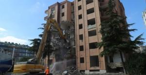 Büyükçekmece Belediyesi kentsel dönüşüm kapsamında yıkımlarına devam ediyor!