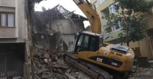 Kartal Belediyesi İstanbul'da en çok metruk bina yıkan belediye oldu!
