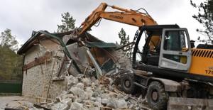 Osmangazi Soğukpınar'da kaçak lüks villa yıkıldı!