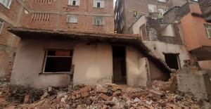 Bağlar Belediyesi metruk binanın yıkımını gerçekleştirdi!