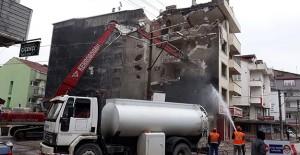 Kocaeli'de riskli bina yıkımları devam ediyor!