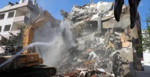 Büyükçekmece'de 2 blok kentsel dönüşüm kapsamında yıkıldı!