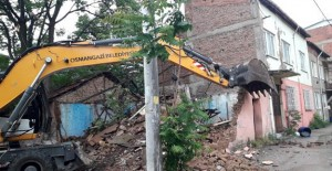 Osmangazi Alemdar Mahallesi'ndeki metruk bina yıkıldı!