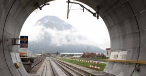 Dünya'nın en uzun tüneli Haziran'da açılacak!