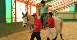 Engelli çocuklar için At ile Terapi etkinliği!