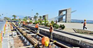 Karşıyaka tramvay çalışmasında ağaçlar taşınacak!