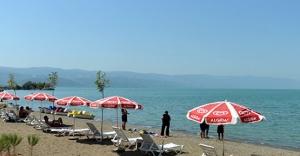 İznik'te sahil düzenlemesi