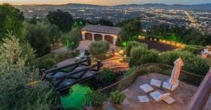 Tom Cruise satamayınca villasının fiyatını düşürdü