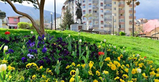 Yıldırım Parkları'na bahar geldi!